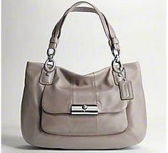 this Coach purse is sooooo pretty!