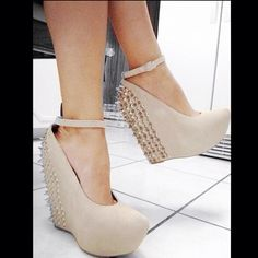 # Nude wedges for Fall