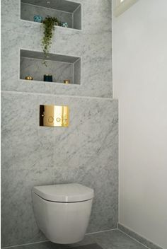 Marmor Bianco Carrara C Honed cm 267737 Attic Bathroom, Bathroom Inspo, Bathroom Inspiration, Bathroom Interior, Modern Bathroom, Guest Toilet, Small Toilet, Marbel Bathroom, Gallery Frames