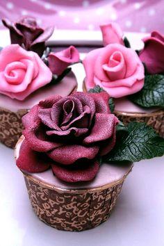 Rose cupcakes / sweetness