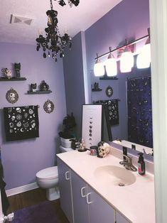 Dark Home Decor, Goth Home Decor, Home Decor Bedroom, Gothic Bathroom Decor, Bathroom Ideas, Haunted Mansion Decor, Mansion Bedroom, Horror Decor, Gothic House