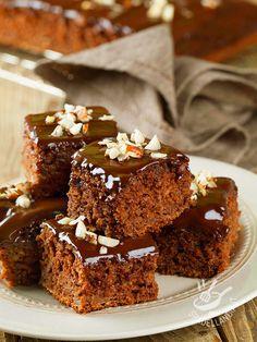 Se non li avete assaggiati, è arrivato il momento di fare conoscenza dei Brownies, i quadrotti cioccolatosi di origine anglosassone, davvero inconfondibili Biscotti, Pancake Muffins, Chocolate World, Tiramisu Recipe, Plum Cake, Chocolate Muffins, Something Sweet, Dessert Recipes, Desserts