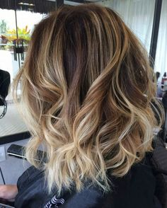 long bob com ombre hair Medium Hair Styles, Curly Hair Styles, Short Hair Lengths, Corte Y Color, Hair 2018, How To Make Hair, Balayage Hair, Hair Inspiration, Hair Makeup