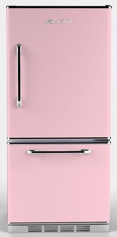 Retro pink fridge ✿⊱╮I had a woman cave Shabby Chic Style, Pink Love, Pretty In Pink, Retro Appliances, Babe Cave, Girly, I Believe In Pink, Woman Cave, Pink Houses