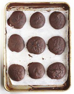chocolate & salted caramel whoopie pies