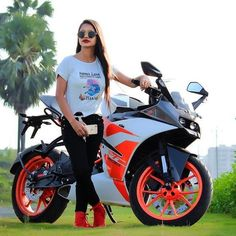 New Trading Attitude Girls 2 scgf DN Amazing Pic collection Beautiful Girl Wallpaper, Beautiful Girl Image, Pink Wallpaper, Stylish Girl Pic, Cute Girl Photo, Alone Girl Pic, Bike Pic, Ride Out, Best Photo Poses