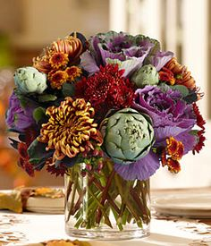 Treat, Adult Style: 3 DIY Centerpieces to Make for Friends at Halloween Fall Harvest Centerpiece. Love the use of veggies in arrangements. Love the use of veggies in arrangements. Ikebana, Art Floral, Floral Design, Fall Flowers, Pretty Flowers, Send Flowers Online, Halloween Flowers, Ornamental Cabbage, Fall Flower Arrangements