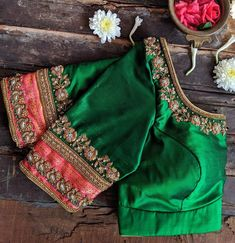 blouse designs latest Stunning sea green color designer blouse with floral design hand embroidery gold thread and zardosi work. Best Blouse Designs, Simple Blouse Designs, Stylish Blouse Design, Bridal Blouse Designs, Blouse Neck Designs, Blouse Styles, Traditional Blouse Designs, Sumo, Hand Work Blouse Design