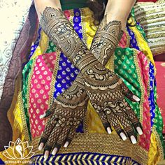 """4,193 Likes, 39 Comments - Divya Patel (@hennabydivya) on Instagram: """"Preeti's bridal henna from yesterday. She wanted dark, bold patterns and specifically requested for…"""""""