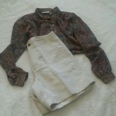 """Dressy Linen Shorts Liz Claiborne shorts are dressy in 55%linen 45% cotton. Oatmeal color. Length 16"""" Waist 14"""". Excelleny condition! Liz Claiborne Other"""