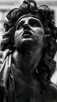 roman sculpture Ik weet niet wie het is, - sculpture Ancient Greek Sculpture, Greek Statues, Buddha Statues, Angel Statues, Sculpture Romaine, Roman Sculpture, Angel Sculpture, Clay Sculptures, Bronze Sculpture