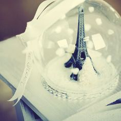 eiffel tower, paris, snow globe- love it!