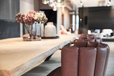 #einrichtung #interiordesign #raumgestaltung #esszimmer #klassisch #esstisch #holztisch #tischler #sessel Interiordesign, Elegant, Filter, Home Decor, Carpentry, Timber Table, Kitchen Dining Rooms, Room Interior Design, Homes