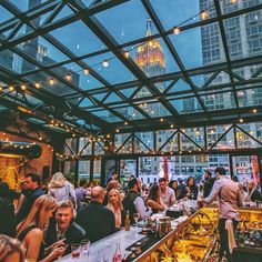 The 7 restaurants in NYC with the best views - New york Urlaub - Travel & Restaurants New York Rooftop Bar, Rooftop Bars Nyc, New York Bar, New York City Bars, Rooftop Brunch Nyc, Rooftop Lounge Nyc, Brunch In Nyc, Rooftop Party, Empire State Building