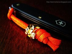 More knotty stuff on my blog: Stormdrane's Blog Cyber Skull beads provided by Schmuckatelli Co. The video demonstrates how to tie a two-strand and an...