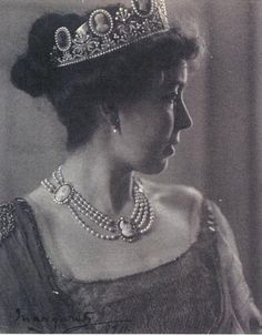 Crown Princess Margaret of Sweden (Margaret of Connaught), wearing tiara and necklace from the cameo parure that was a gift from Napoleon to Josephine in 1809. The parure is now owned by the Swedish crown.