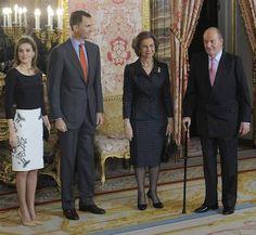Con la coronación de Felipe VI, sólo la formarán seis miembros y las infantas Elena y Cristina dejarán de formar parte de la Familia Real para pasar a ser 'familia del Rey'