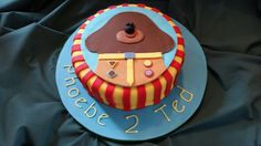 Aaaah woof! Hey Duggee cake Second Birthday Cakes, Harry Birthday, 3rd Birthday Cakes, Baby First Birthday, 2nd Birthday Parties, Birthday Ideas, Cake Decorating For Kids, Claudia S, Novelty Cakes