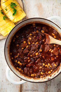 Gulasz wołowy z kawą, czekoladą i chili