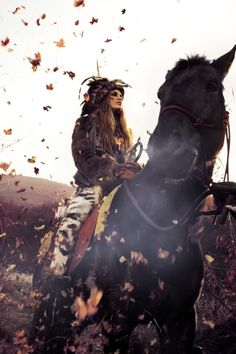 gypsy - boho - ☮k☮ crazy bitch on a horse Gypsy Life, Gypsy Soul, Boho Gypsy, Boho Life, Hippie Style, Bohemian Style, Boho Chic, Bohemian Summer, Hippie Chic