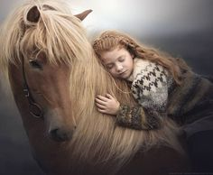 Russian Photographer Captures Stunning Photos Of Kids And Their Pets, including this girl and her horse. Pretty Horses, Horse Love, Beautiful Horses, Animals Beautiful, The Horse, Horse Girl Photography, Equine Photography, Animal Photography, White Photography