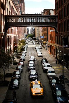 Chelsea Market Foot Bridge from The High line Park #NYC - Manhattan, New York City