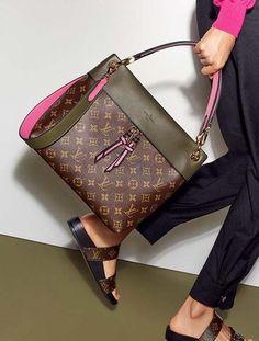 2019 New LV Collection For Louis Vuitton Handbags women Fashion  Louis   Vuitton  Handbags 758f0ffd35406