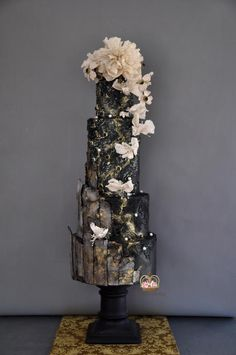 The Black Stallion Congratulations to the amazing couple Shane and Stefaan ♡ Rich in textures and gold with touches of sugar flowers. I love a black wedding cake. It is incredibly alluring and mysterious! Black Wedding Cakes, Elegant Wedding Cakes, Wedding Cake Designs, Elegant Cakes, Wedding Decor, Pretty Cakes, Beautiful Cakes, Amazing Cakes, Jewel Cake
