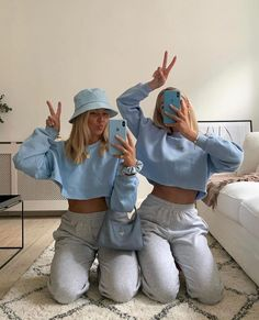 outfits with sweatpants ~ outfits _ outfits for school _ outfits with leggings _ outfits with air force ones _ outfits casuales _ outfits with sweatpants _ outfits with black jeans _ outfits aesthetic Aesthetic Fashion, Aesthetic Clothes, Look Fashion, Urban Aesthetic, Fitness Aesthetic, Blue Fashion, Milan Fashion, Fashion Women, Girl Fashion