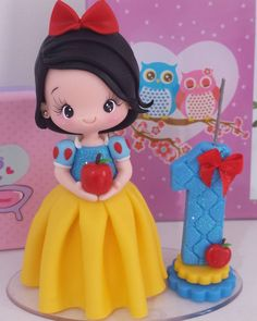 1 million+ Stunning Free Images to Use Anywhere Polymer Clay Miniatures, Polymer Clay Charms, Polymer Clay Art, Fondant Figures Tutorial, Fondant Toppers, Clay Crafts, Diy And Crafts, Snow White Birthday, Fondant Decorations