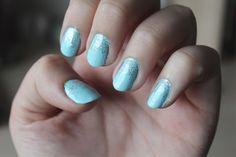 NOTD // Essie Mint Candy Apple & Glitter Fade/Ombre - cassandramyee
