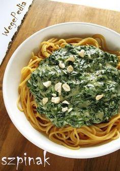 Wegański makaron zeszpinakiem wsosie serowym – przepis fit Vegan Lunch Box, Superfoods, Bon Appetit, Vegan Recipes, Spaghetti, Food And Drink, Meals, Baking, Healthy