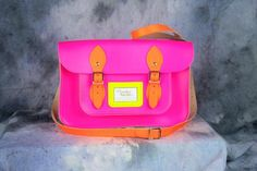Trending: Oxford Bag And Its Twists Oxford Bags, Fashion Jewelry, Women Jewelry, Cambridge Satchel, Purses And Bags, Cute Outfits, Vintage Fashion, Neon, Pink