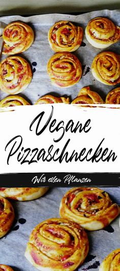 Diese veganen Pizzaschnecken sind das perfekte Mitbringsel für Geburtstage oder… These vegan pizza snails are the perfect souvenir for birthdays or celebrations of any kind. And of course they also taste great as a snack in between. White Pizza Recipes, Vegan Breakfast Recipes, Vegan Recipes Easy, Pizza Snacks, Snacks Für Party, Vegan Crackers, Vegan Pizza, Whole 30, Food Hacks