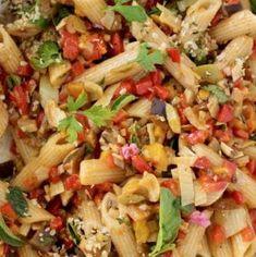 Vegan Italian Pasta Salad with Veggie La Bomba Sauce Vegan Bolognese, Bolognese Sauce, Best Roasted Vegetables, Veggies, Pasta Salad Recipes, Sauce Recipes, Veggie Pasta, Pasta Salad Italian, Eggplant Recipes