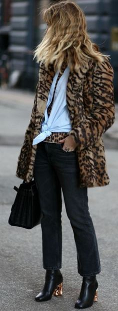 Leopard Faux Fur Coat | Leopard on Leopard Winter Streetstyle | Annabel #leopard