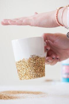 DIY Gold Glitter Dipped Mugs from @cydconverse