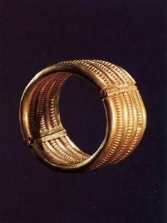 Psusennes I - gold bracelet of seven rings. 6.9cm one of a pair of bracelets