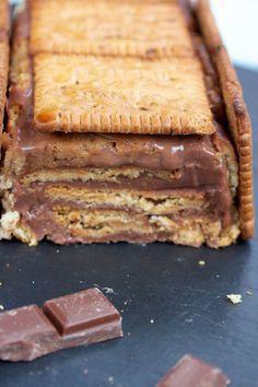 Le légendaire gâteau petit beurre et chocolat réalisé et dévoré par des générations et des générations de petits gourmands