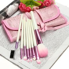 8Pcs Cosmetic Nylon Hair Makeup Brush Set + Pink bags