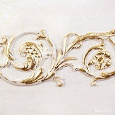 МАРАТ КА   NM 150307-01 Bas-relief with сraquelure effect and golden leaf on top. #gilding