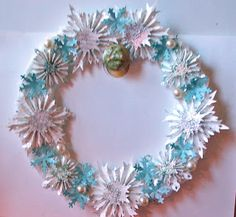 artsaveslives: Seasonal Wreath