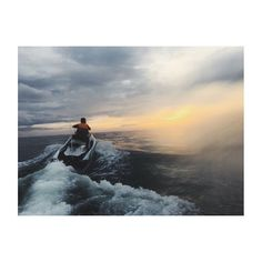 Shoutout to @djkhaled for inspiring this photo. I always look to him for motivation, I hope to one day achieve his level of success. Jet skiing definitely lived up to the hype, easily one of the best experiences of my life #entrepreneur #success #motivation #jetski #water #ocean #sunset #photography http://tipsrazzi.com/ipost/1504837498681302041/?code=BTiQbtplhwZ