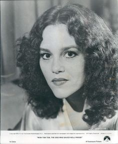 Madeline Kahn , an incredible and multi talented soul. She pals around with Gilda Radner on the other side a lot. Phil Hartman, Madeline Kahn, Past Life Memories, Gilda Radner, Star Show, Old Movie Stars, Jim Henson, That's Entertainment, Film Stills