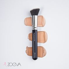 Blending miracle. Our 103 Defined Buffer creates a flawless and glowy finish. www.zoeva.de