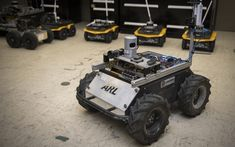 Researchers at the US Army Research Laboratory developed a new technique to teach mobile robots novel traversal behaviors with minimal human oversight. Robot Technology, Latest Technology News, Futuristic Technology, Technology Gadgets, Medical Technology, Energy Technology, Robot Mobile, Robot Wheels, Robot Platform