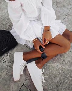 all white outfit Mode Outfits, Fashion Outfits, Womens Fashion, 90s Fashion, Travel Outfits, French Fashion, Dress Fashion, Fashion Fashion, Korean Fashion