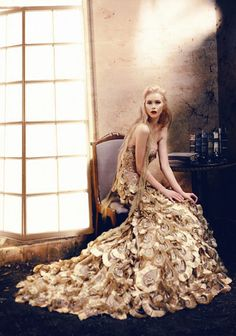 Surreal Ball Gown Photography - The Hian Tjen Ballgown Editorial Will Have You Lusting for a Gala (GALLERY)