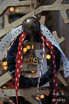 ΓΟΥΡΙ 2019 / Handmade Christmas Ornaments / New Year Lucky Charm Handmade Christmas, Christmas Ornaments, K Crafts, Lucky Charm, Charmed, Amelie, Halloween, Yoga Pants, Mary