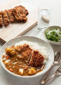 Katsu curry is a variation of Japanese curry with a chicken cutlet on top. Adding chicken cutlet brings the Japanese curry up to the next level. So yummy. Asian Recipes, New Recipes, Cooking Recipes, Healthy Recipes, Cooking Bacon, Pork Cutlets, Chicken Cutlets, Chicken Schnitzel, Katsu Curry Recipes